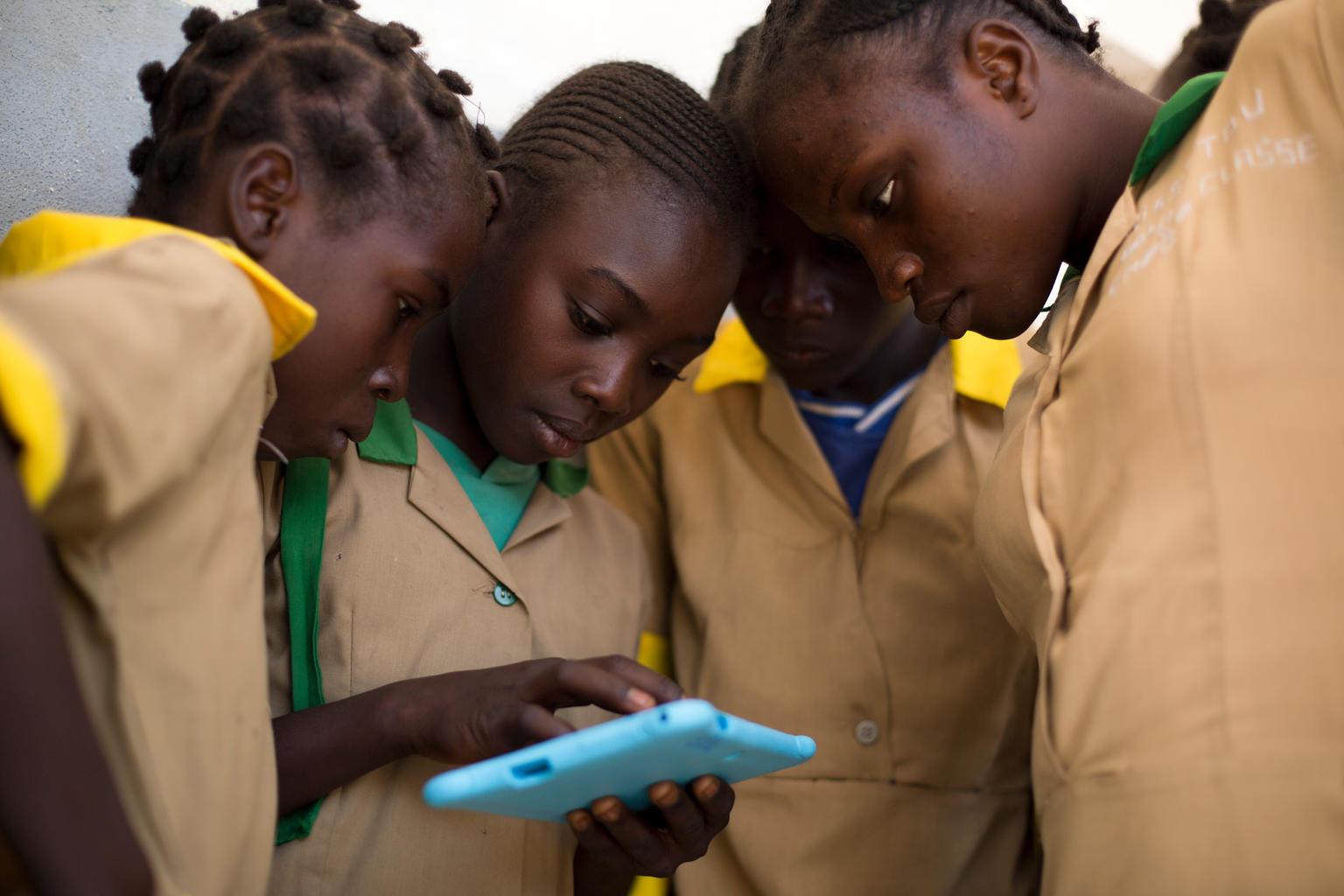 Etre une fille dans un monde digital